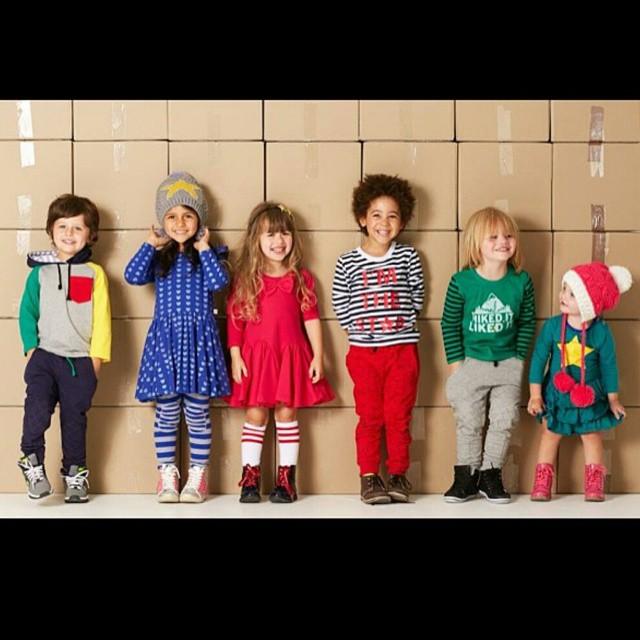 8798fbdd20a6d معرض موضة لأرقي ملابس الأطفال الجاهزة